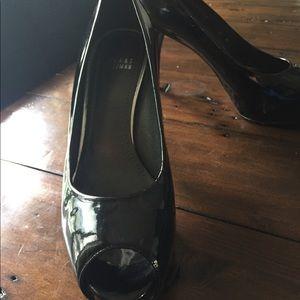 Stuart Weitzman Shoes - Stuart Weitzman black patent pump. Size 9